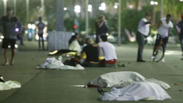ATENTATUL SÂNGEROS din Nisa: E groaznic să vezi un copil care îți întindea mâna să-l ajuți și nu poţi
