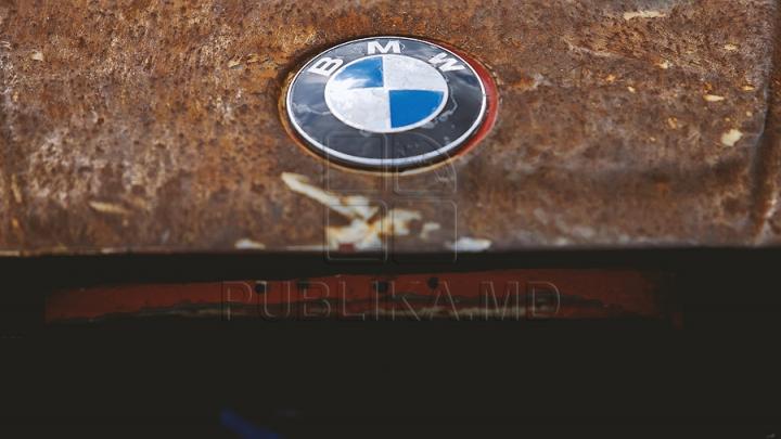 Un BMW M3 din 1994 a fost scos la vânzare. DETALIUL CARE I-A UIMIT PE TOŢI CLIENŢII