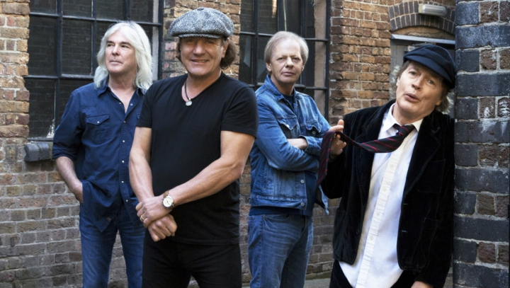 Să fie acesta sfârşitul? Basistul trupei AC/DC a anunțat că se retrage din muzică