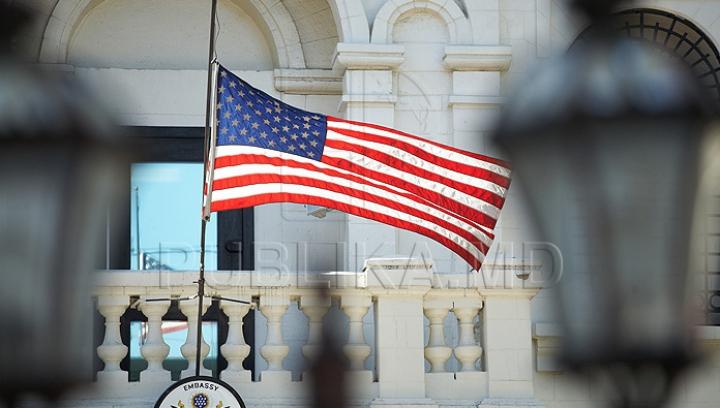 FILMUL EVENIMENTELOR de la Ambasada SUA. Ce s-a întâmplat de fapt pe teritoriul instituţiei (VIDEO)