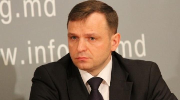 NĂSTASE S-A DAT ÎN SPECTACOL LA CEC. Reacţia lui Sergiu Sîrbu