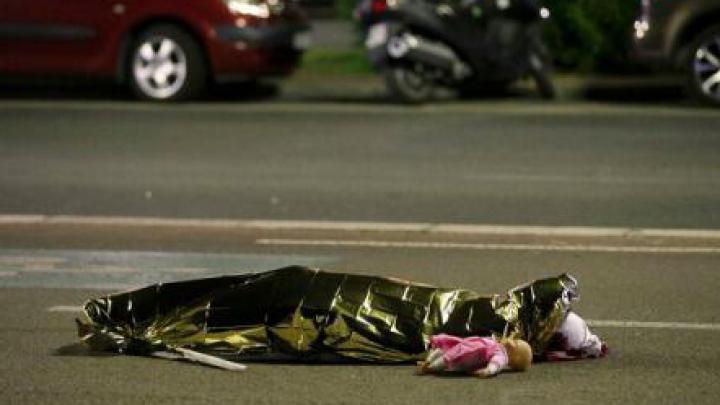 ATENTATUL SÂNGEROS din Nisa: Cel puțin doi copii au murit și aproximativ 50 sunt spitalizați