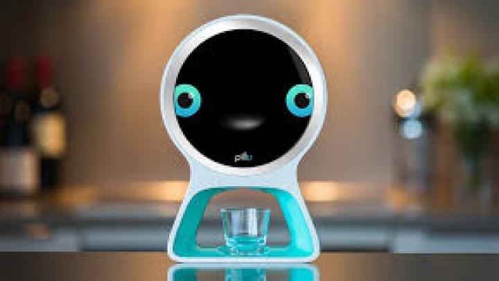 INEDIT! A fost lansat Pillo Health, un automat care te ajută să-ţi iei pastilele la timp