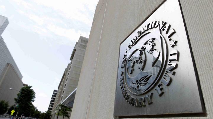 Pavel Filip şi şefa Misiunii FMI, Ivanna Vladkova-Hollar, susțin un briefing de presă la ora 17:30