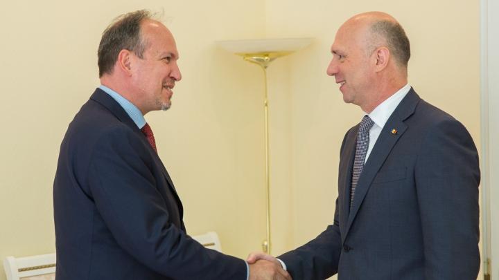 Pavel Filip s-a întâlnit cu noul ambasador al României la Chişinău, Daniel Ioniţă