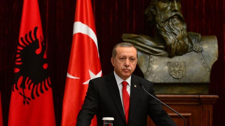 MOMENTUL în care președintele Turciei este anunțat despre TENTATIVA DE LOVITURĂ DE STAT (VIDEO)