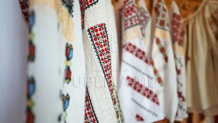 Zece vedete internaţionale care au o pasiune aparte pentru ia românească (GALERIE FOTO)