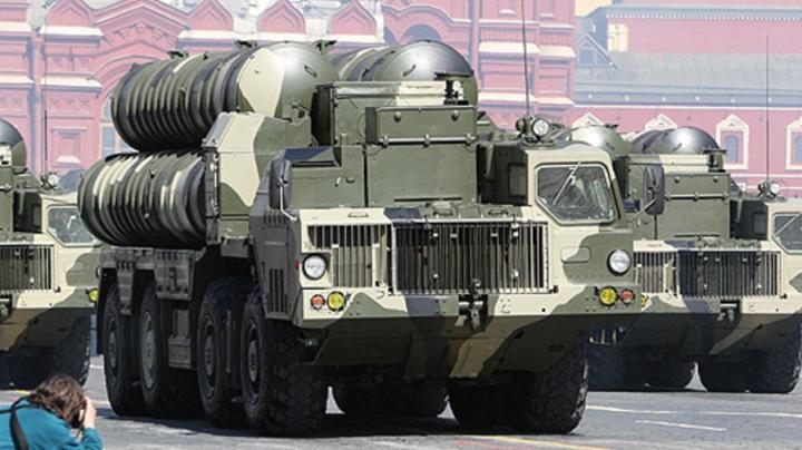 Rusia își consolidează militar flancul sud-vestic