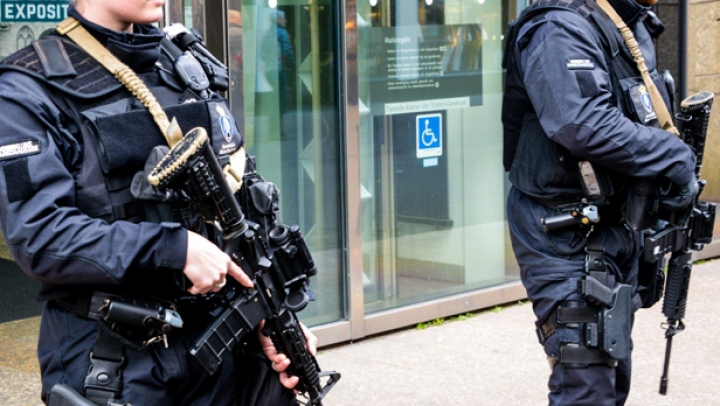 """Măsuri de securitate sporite pe aeroportul din Amsterdam după """"o informație"""" primită de autorități"""