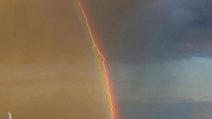Incredibila fotografie realizată de un german. Poţi surprinde fenomenul doar o dată în viaţă