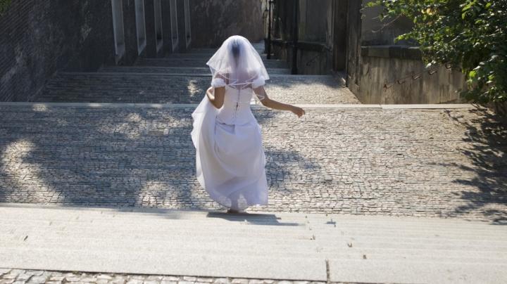 A cheltuit o avere pentru a se căsători, însă soția l-a părăsit după doar trei zile de la nuntă