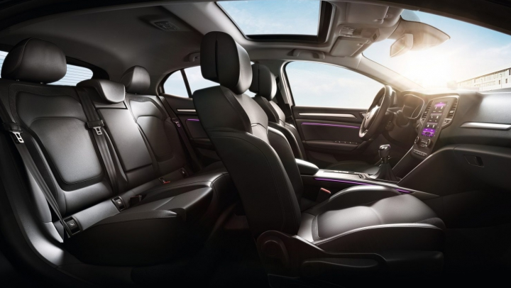 Lucruri pe care să nu lași NICIODATĂ în mașină, mai ales în zilele toride