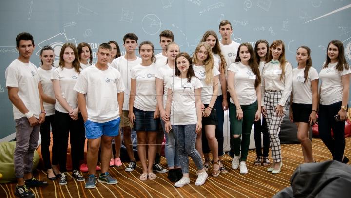 Şcoala Ambasadorilor Edelweiss: 20 de tineri din Hânceşti au parte de O EXPERIENŢĂ INEDITĂ (FOTOREPORT)