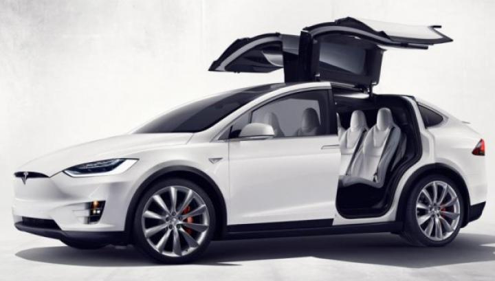 Tesla Model X 60D, cea mai accesibilă versiune a SUV-ului electric