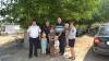 GEST DEMN DE LAUDĂ! Mai mulţi poliţişti au oferit daruri copiilor dintr-o familie nevoiaşă (FOTO)