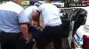 NO COMMENT: Cum a fost pedepsită o femeie care a trecut pe roşu la Unirii (VIDEO)