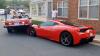 O şoferiţă, aflată la volanul unui Mercedes, şi-a parcat maşina pe capota unui Ferrari 458 Speciale (VIDEO)