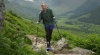 Un alpinist fără mâini şi picioare a escaladat un vârf de 4.500 de metri