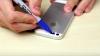A pus bandă adezivă pe telefonul mobil şi a colorat-o. Ce a văzut când l-a aprins este dezgustător (VIDEO)