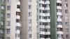 NENOROCIRE în Capitală. Un bărbat a căzut de la etajul cinci al unui bloc locativ (VIDEO)