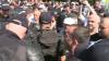 Organizatorii, indignaţi de haosul creat de protestatari: Au fost înjuraţi şi umiliţi artiştii
