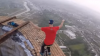 VIRAL pe Internet. Ce au făcut doi tineri după de ce au urcat pe un turn de 250 de metri (VIDEO)