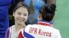 Două gimnaste din Coreea de Nord şi de Sud au lăsat diferenţele politice şi au făcut un selfie (FOTO)