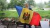 """""""Sunt mândru de ţara mea!"""" Tot mai mulţi moldoveni se alătură campaniei """"Eu sunt Moldova"""""""