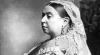 Chiloţi şi o pijama care i-au aparţinut reginei Victoria a Marii Britanii, scoase la licitaţie