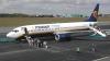 Imagini halucinante la aeroport! Un pasager fuge pe pistă după avion ca după autobuz (VIDEO)