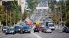 Situație INCREDIBILĂ în traficul din Chișinău. Cum merge șoferul unui microbuz (VIDEO)