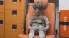 REALITATEA DUREROASĂ: Un băiețel plin de sânge, scos de sub o clădire bombardată (VIDEO)