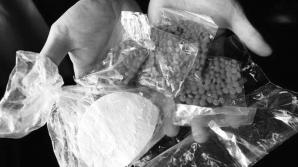 Autorităţile Moldovei declară RĂZBOI traficului ilicit de droguri. Sute de cauze penale, expediate în judecată