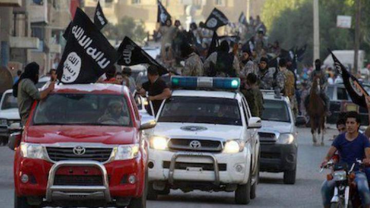 O nouă înfrângere pentru Statul Islamic. E la un pas să își piardă Capitala