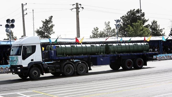 Iranul prezintă în premieră imagini cu noul său sistem de rachete antiaeriene