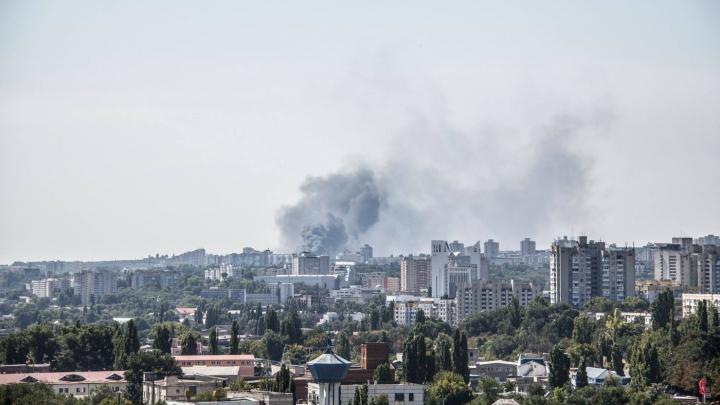 INCENDIU la Botanica! O staţie electrică a luat foc. PRIMELE IMAGINI de la faţa locului (FOTO/VIDEO)