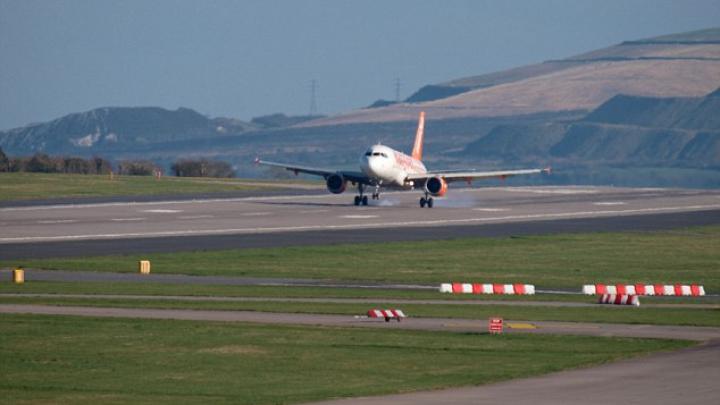 CATASTROFĂ AVIATICĂ, evitată în ultimul minut! Ce s-a întâmplat pe un aeroport din Anglia