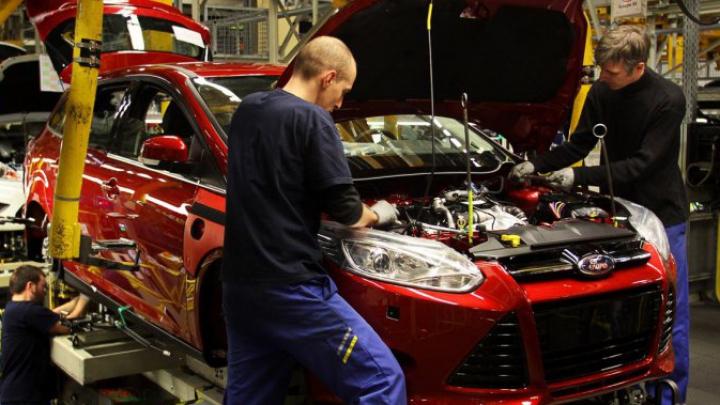 Un nou scandal în industria auto. Ford recheamă peste 800.000 de maşini
