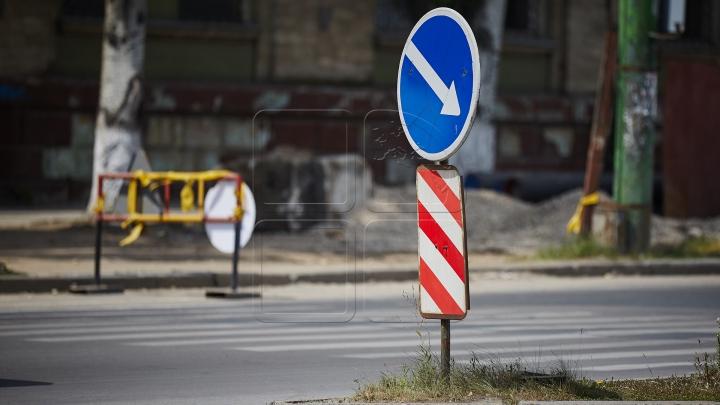 CHESTIONAR AUTO: Este permis virajul la stânga în acest loc? RĂSPUNSUL CORECT