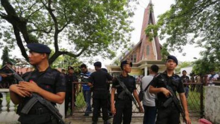 ALERTĂ! Tentativă de atentat sinucigaș într-o biserică, soldată cu patru răniți
