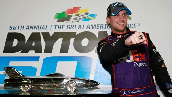 SURPRINZĂTOR! Denny Hamlin a câştigat etapa cu numărul XXII a sezonului din NASCAR