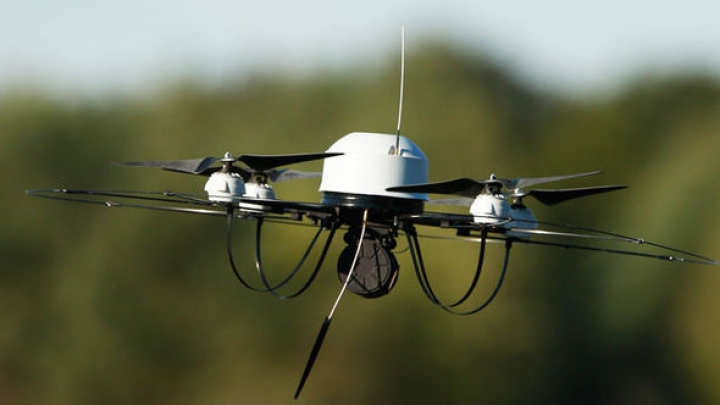 Drone ce transportau droguri şi telefoane mobile spre o închisoare, interceptate de poliţia londoneză