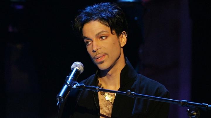 IPOTEZĂ ŞOCANTĂ! Prince ar fi fost victima unor medicamente contrafăcute