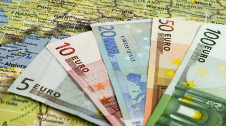 BCE: Creşterea cheltuielilor în ţările din centrul zonei euro ar putea ajuta economiile mai slabe