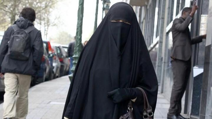 SONDAJ: Peste jumătate dintre germani doresc o INTERZICERE COMPLETĂ a vălului integral