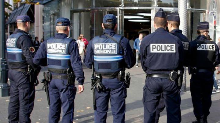 Poliția franceză, ÎN ALERTĂ. Caută un refugiat care ar putea plănui un atentat