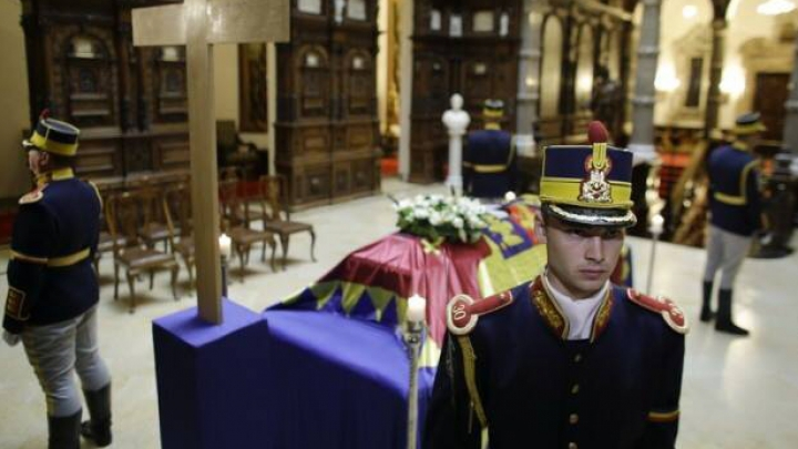 Doliu național în România și Republica Moldova. Regina Ana a fost înhumată la Curtea de Argeș (VIDEO)