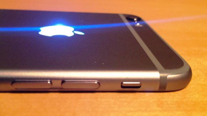 Cum să faci logo-ul unui iPhone să lumineze ca la MacBook (Video)