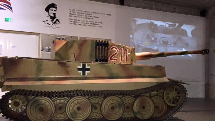 Un muzeu din Franța și-a scos la licitație întreaga colecție de vehicule militare blindate