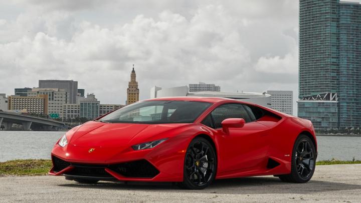 Și poliția greşeşte câteodată: doi ofițeri au confiscat ilegal un Lamborghini Huracan. Ce a urmat